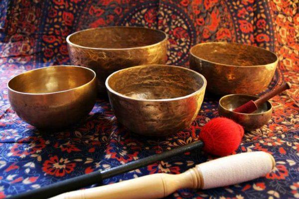 Тибетские кованые поющие чаши – незаменимая вещь для разных практик